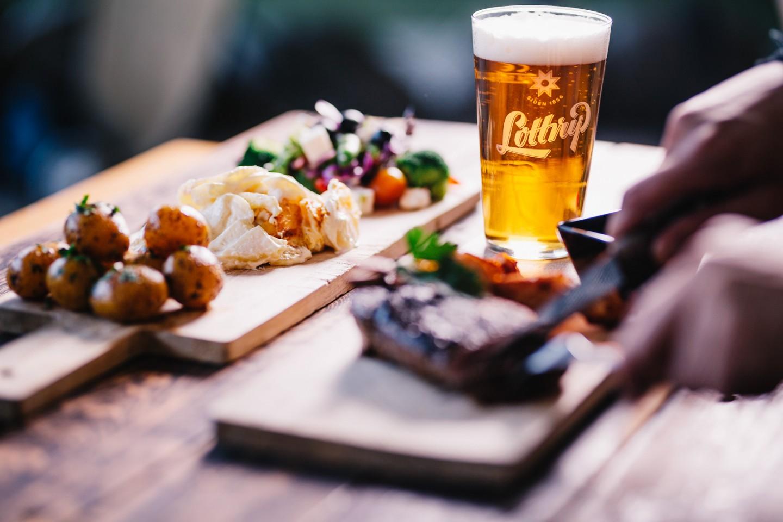 Lotterup øl med bøf og flødekartofler